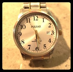 Pulsar watch with gold dials
